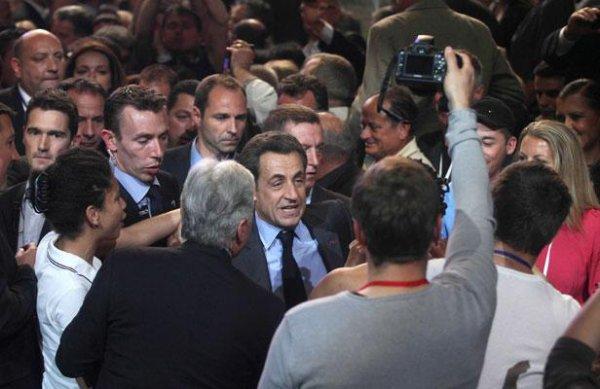 Présidentielle: En plein discours, Nicolas Sarkozy s'en prend à un journaliste