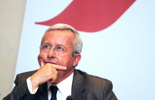 Air France: Les syndicats s'indignent de la prime versée à leur ancien DG