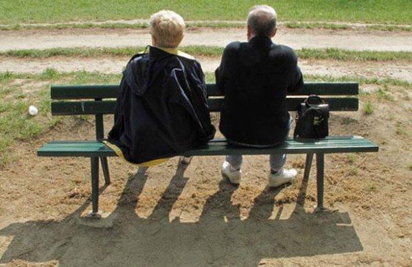 Retour à la retraite à 60 ans: 110.000 personnes concernées, maternité et chômage pris en compte