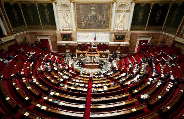Législatives: Victoire absolue pour le PS... et l'abstention