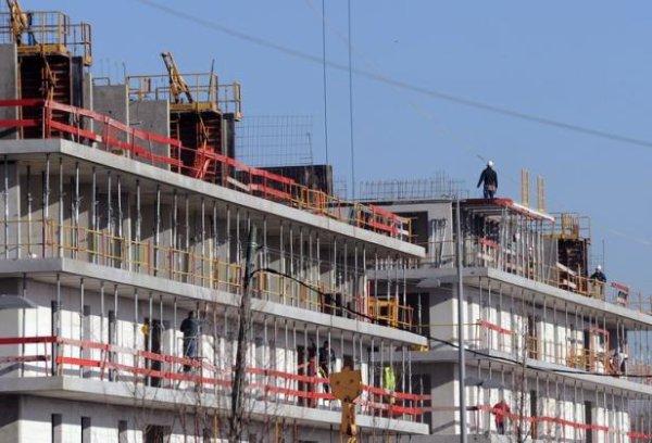 Logements neufs: Le plongeon des mises en chantier continue