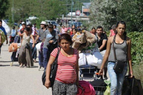 Roms: la Commission européenne remet la France sous surveillance