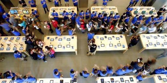 """Salariés d'Apple : """"tout ce qu'on a, c'est un mail de remerciement"""""""