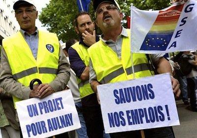 À Aulnay, entre colère et solidarité