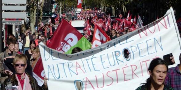Les opposants au traité européen en meeting ce lundi soir