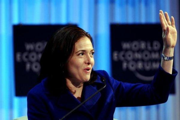Facebook: Plusieurs dirigeants vendent leurs actions