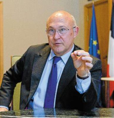 Chômage: Les chiffres d'octobre seront mauvais, selon Michel Sapin