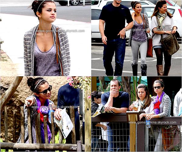 24 septembre 2011  : Selena Gomez en compagnie de sa mère et son beau-père étaient au ZOO de Los Angeles.
