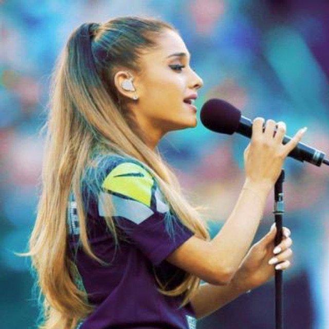 Viens découvrir un nouveau talent : Ariana Grande :D