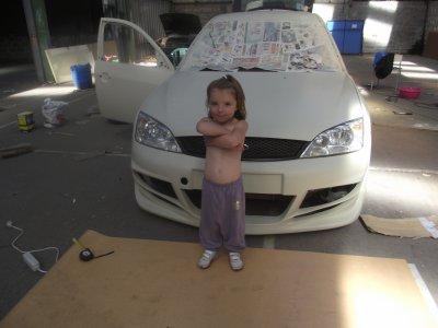 ma fille avec la voiture!!!