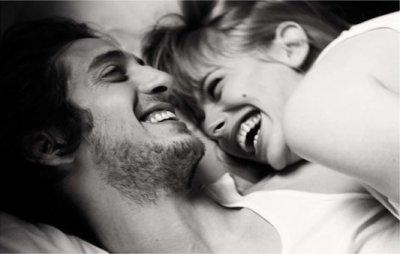 « Je voudrais que tu me consoles. Tu viens chez moi ? N'oublies pas d'amener tes deux bras, j'ai l'intention de dormir au milieu. Au fait, je t'aime. »