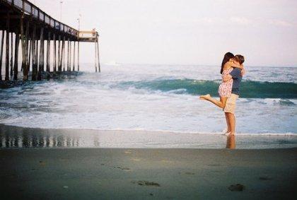 « Nous ne sommes que des grains de sable mais nous sommes ensemble. Nous sommes comme les grains de sable sur la plage, mais sans les grains de sable, la plage n'existerait pas. »