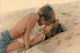 L'amour commence tout petit..