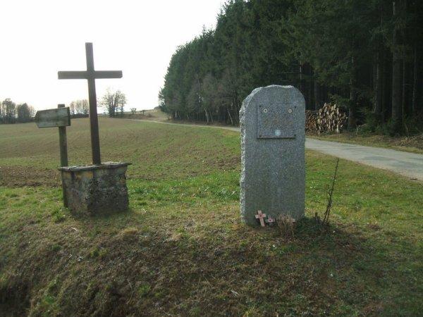 Violette Szabo, stèle route de Sussac
