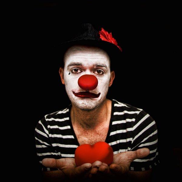Il habite le cirque