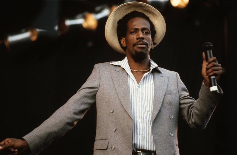 "GREGORY ISAACS - ""Off a mi fender"" (1988)"