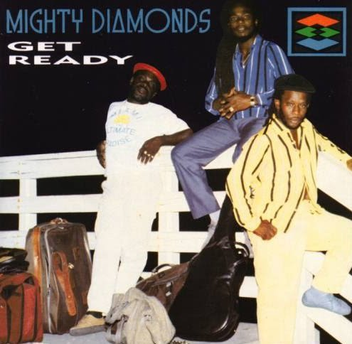 "GREGORY ISAACS & THE MIGHTY DIAMONDS - ""Idler's corner"""