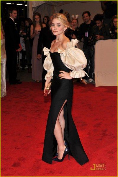 Ashley au MET Ball 2011