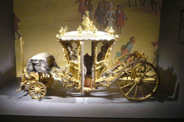 """Exposition """"Roulez carrosses"""" au musée d'Arras, réalisée en partenariat avec le château de Versailles"""