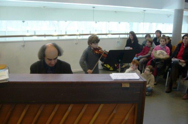 L'école de musique de Lomme était ce matin à la médiathèque : les jeunes musiciens du jour