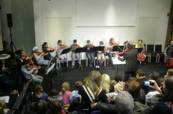 Le dimanche matin en musique à la médiathèque l'Odyssée de Lomme : les jeunes élèves de l'école de musique de Lomme montent sur scène (3)