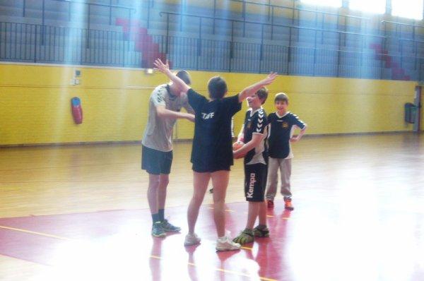 Handball : rencontre parents - enfants au Palais des Sports à Lomme (la suite)