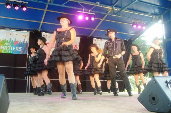 Fête de quartier de Lomme Délivrance : et elles dansent, dansent, dansent...