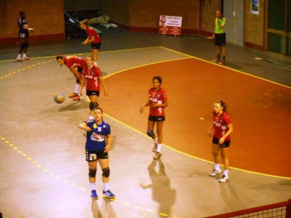 Handball féminin deuxième division : pour le premier match de la saison à domicile, les Lommoises recevaient l'équipe d'Octeville