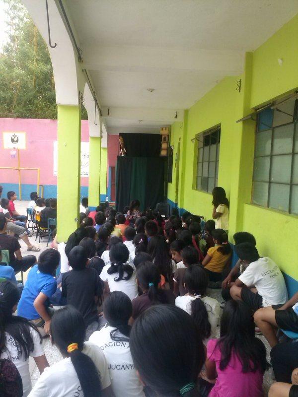 Espectaculo en la Escuela Jucanyà