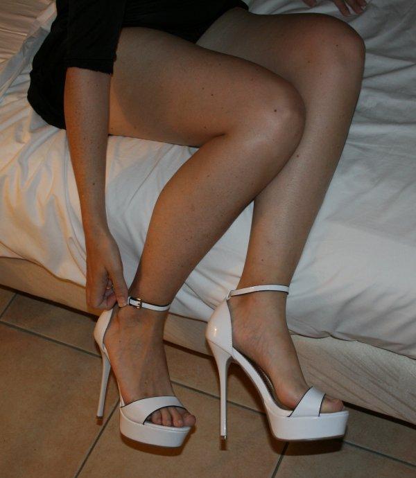 Mes Platforms Blanche aux pieds