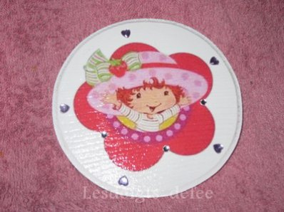 Petite plaque ronde Charlotte aux fraises