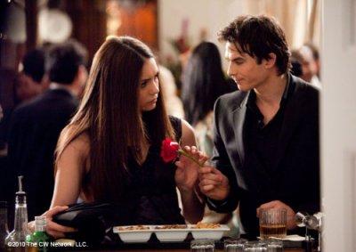 The Vampire Diaries : Elena, avec Damon ou Stefan ?