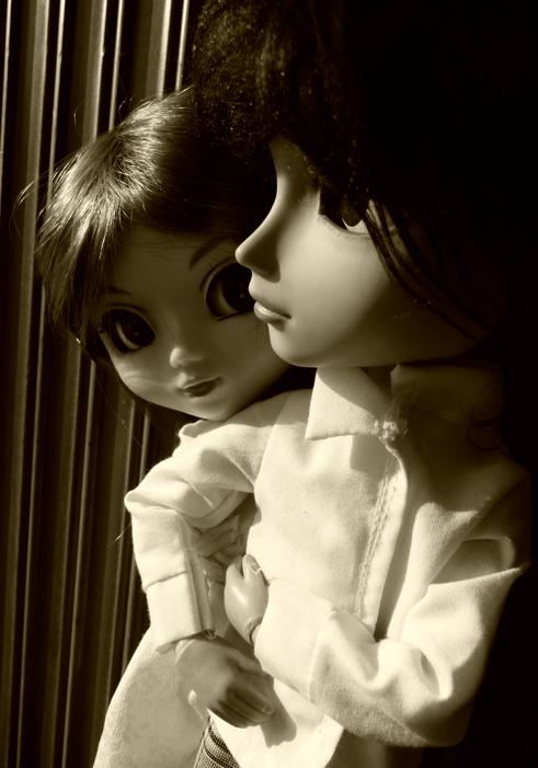 """""""Tu ne peux pas comprendre ce que je ressens... Il est peut être comme les autres, mais pour moi, il est différent."""""""
