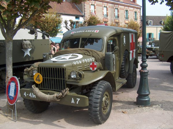 LE DODGE AMBULANCE WC 54
