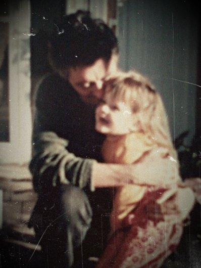 « N'oublies jamais que le seul homme que tu aimeras toute ta vie, quoi qu'il arrive, c'est ton père ! »