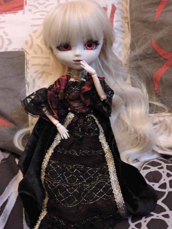 Présentation de mes dolls - Avery Von Mëttyàs
