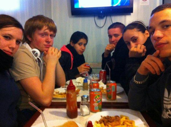 Kebab c trop bon ahah bisous de nous ! ?