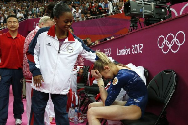 - ON WEB GYMNASTICS - Jeux Olympiques Douglas décroche l'or du concours général -