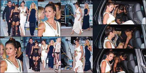 22/07/15: En bombe, Nina Dobrev était présente au gala de charité organisé par Leonardo DiCaprio à St Tropez C'est un gros top pour Nina, cette robe blanche est vraiment magnifique. Elle était accompagné de Jessica Stam, Hillary Harley, Michelle Rodriguez.