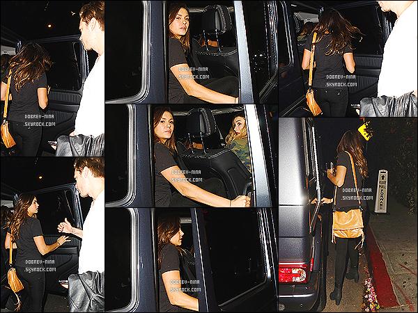 03/10/14 - Nina a été vu avec des amis quittant le Chateau Marmont à Los Angeles. Dommage que sur les photos ont ne voit pas tellement Nina. Coté tenue c'est du banale donc pour moi c'est un top - Et vous, vous en pensez quoi?