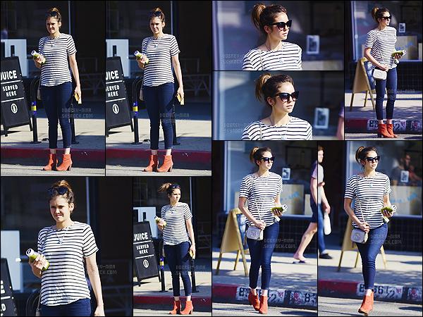 03/06/15 - Nina a été photographiée se dirigant vers un cabiné médical puis allant chercher un jus à Los Angeles. Je suis contente que Nina nous montre enfin sa tête en plus elle nous fait un beau candid - sa tenue est vraiment super belle - j'adore son sac Gucci !