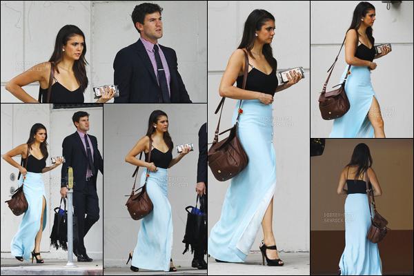 12/09/15: Après la cérémonie, Nina et Austin ont été repérés arrivant au mariage de Kayla Ewell à Los Angeles. Nina a changé de chaussures, mais elle va pas garder cette robe. En dessous de l'article, il y a 3 photos personnelles durant le mariage. Féliciations !