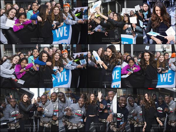 01/10/15 : La superbe Nina Dobrev était présente à l'événement « WE Day » qui se tenait à Toronto au Canada. Nina était vraiment superbe, on voit sur les photos elle a le sourire et qu'elle est contente d'être la. Donne ton avis sur la tenue et la mise en beauté