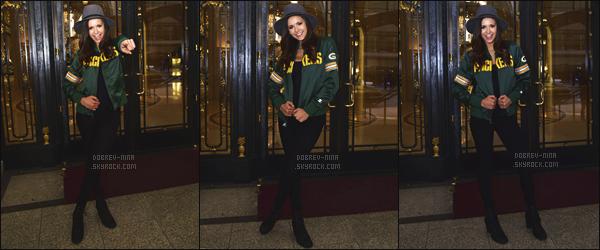 07/02/2016 : Nina D. a posé devant son hôtel avant de se rendre au 50ème « Super Bowl » à San Francisco. Toujours aussi jolie notre Nina, qu'es ce que je l'adore avec un chapeau car ça lui va vraiment bien. Un Top ou Flop pour sa tenue qu'elle portait ?