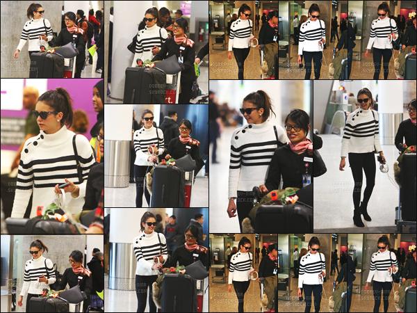 20/02/16 : Après son vol, Nina a été photographiée quittant l'aéroport international de Toronto au Canada. Nina commencera cette semaine le tournage de xXx: The Return of Xander Cage aux cotés de Vin Diesel, Ruby Rose ou encore Samuel L. Jackson !