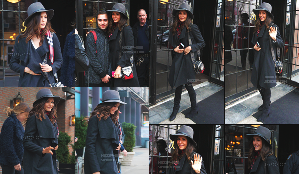 15/03/16 : L'actrice Nina Dobrev a été aperçue quittant son hôtel « The Bowery » avec une amie à New York. Nina était toute la semaine avec ses amis dans la Big Apple ! J'aime vraiment bien sa tenue. Donnez moi votre avis par commentaire sur sa tenue !