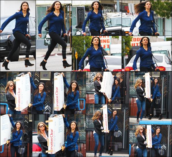25/05/16: Miss Nina Dobrev a été aperçue dans les rues de Los Angeles sortant d'une boutique de meubles. Notre Nina toujours aussi naturelle, de plus j'aime vraiment beaucoup sa tenue. Coup de coeur pour son sac - Pour vous c'est un Top ou Flop ??