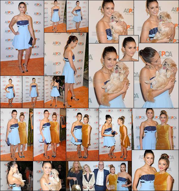 20/10/16 : L'actrice Nina Dobrev était présente à l'évènement « The ASPCA'S Benefit Gala » à Beverly Hills. Nina était très belle comme à son habitude, je trouve la robe spéciale mais elle est jolie, mais j'adore ses chaussures à talons - Donne ton avis !!