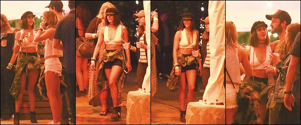 14/04/17: La rayonnante Nina Dobrev a été vue au 2eme jour du festival de music et d'arts « Coachella » à Indio. Nina s'était également rendue au 1er jour du festival avec des amis dont la belle actrice Danielle Campbell. Un top pour la tenue - TON AVIS?