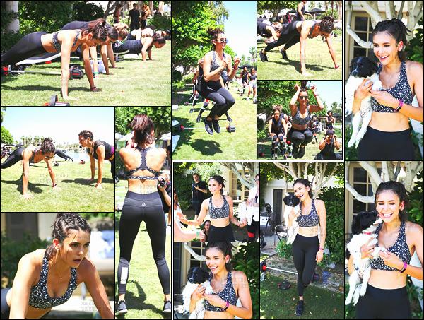 18/04/17:  Nina Dobrev s'est rendue à l'événement « Reebok Classic Crib » qui était en Californie à La Quinta. Nina a également fait une séance de sport lors de l'événement. Un gros top ! J'adore la tenue Nina est juste magnifique. Qu'en pensez-vous ?!